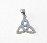 CM59 Celtic triangle charm