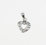 CM9 Patterned heart charm