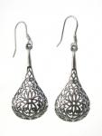E125 Flower drop earrings