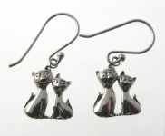 E32A Cat friend earrings