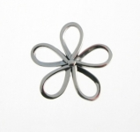 P172 Silver daisy pendant
