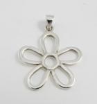 P252 Silver Flower Pendant