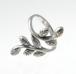 R104 Silver ring