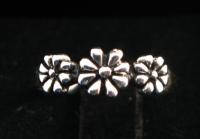 R134 Silver Flower Ring