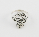 R140 Detailed Flowers Ring