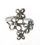 WR132 Silver Flower Ring