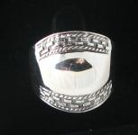 R167 Bulbous Ring