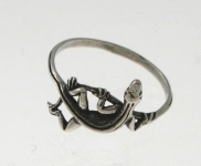 R17 gecko ring