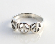 R175 Triple Peace Sign Ring