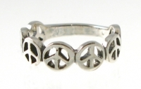R176 Peace sign Ring