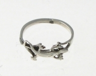 R18 gecko ring