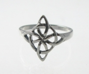 R229 Silver celtic ring