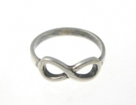 R194 Infinity sign ring