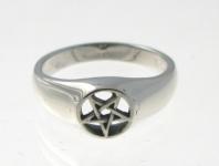 R201 Pentagram Ring