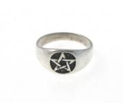 WR5 Pentagram ring