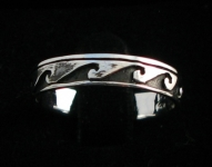 R224 Silver wave ring