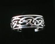R232 Silver celtic ring