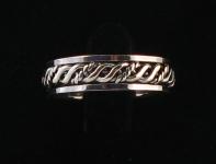 R257 Spinner Ring