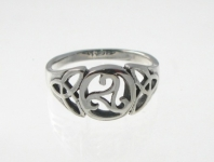 R241 Silver celtic ring