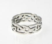 R238 Silver celtic ring
