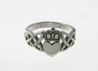 R51 Silver claddagh ring