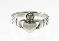 R53 Claddagh Ring