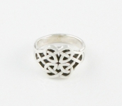 R56 Celtic ring