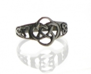 R58 Celtic knot ring