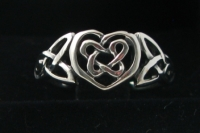 R65 Celtic Heart Ring