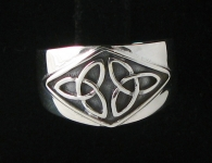 R67 Double Triquetra Ring