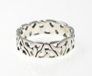 R72 Silver celtic ring