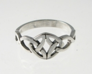 R74 Silver Elegant Celtic Ring