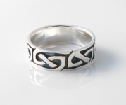 R80 Celtic Design Ring