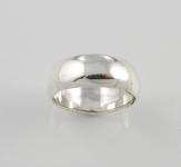 R99 Thick plain band ring