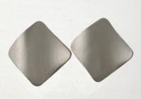 WS119 Satin silver wavy studs