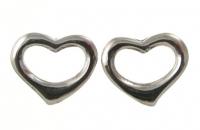 S136 Heart Stud