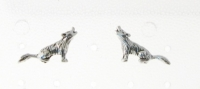 S139 Silver Howling Wolf Studs