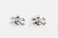 S22 Silver Skull and cross bone studs (pack of 5 pairs)