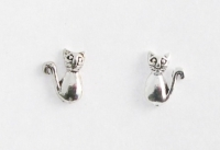 S28 Silver cat studs(pack of 5 pairs)