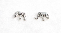 S7 Silver elephant studs (packs of 5 pairs)