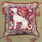 Glorafilia Tapestry/Needlepoint Kit - Medieval Dog