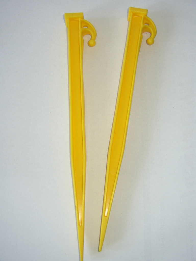 12  YELLOW EXTRA HEAVY DUTY PLASTIC TENT PEG X 15 & 12