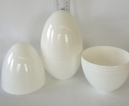 LARGE PLASTIC EASTER/PARTY/GIFT EGG - WHITE