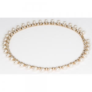 Elizabethan faux pearl necklace