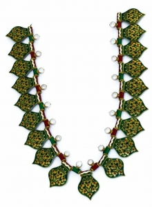 Mughal-inspired reversible red and green necklace