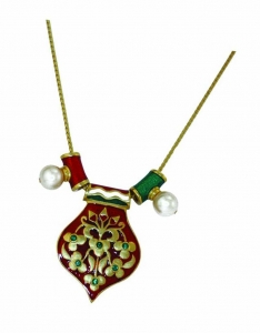 Mughal-inspired reversible red and green pendant