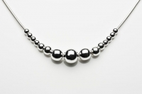 Graduated ball necklace