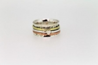 Hammered ring with hearts