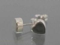 Solid heart stud earring